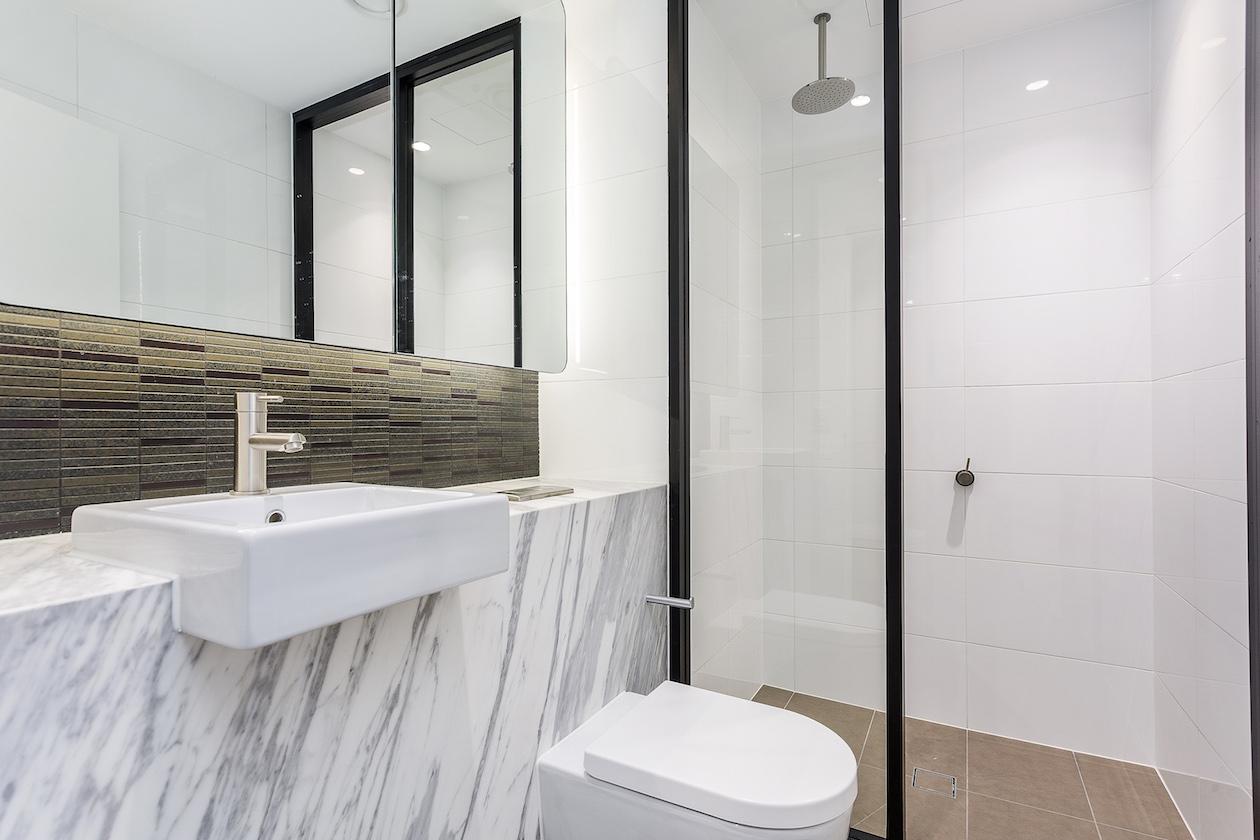 https://www.stone-tech.com.au/wp-content/uploads/Dark-bathroom-2-Copy.jpg